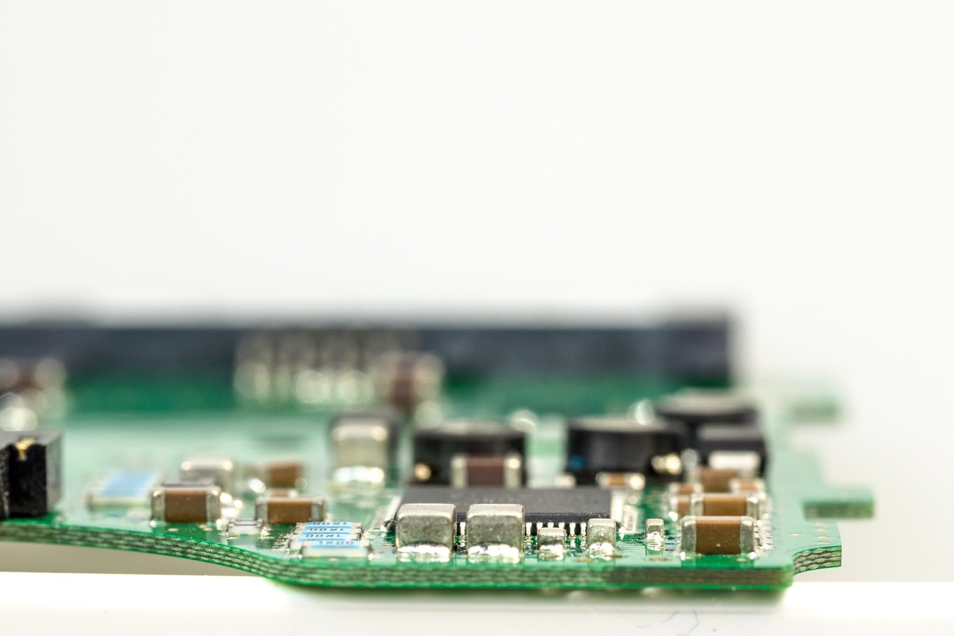 Tight deadlines with fast-turnaround assembled PCBs ABL Circuits